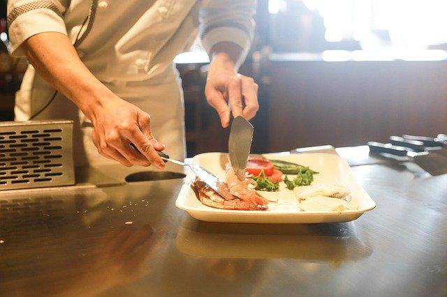 お得なランチでディナーへの集客は効果あるか