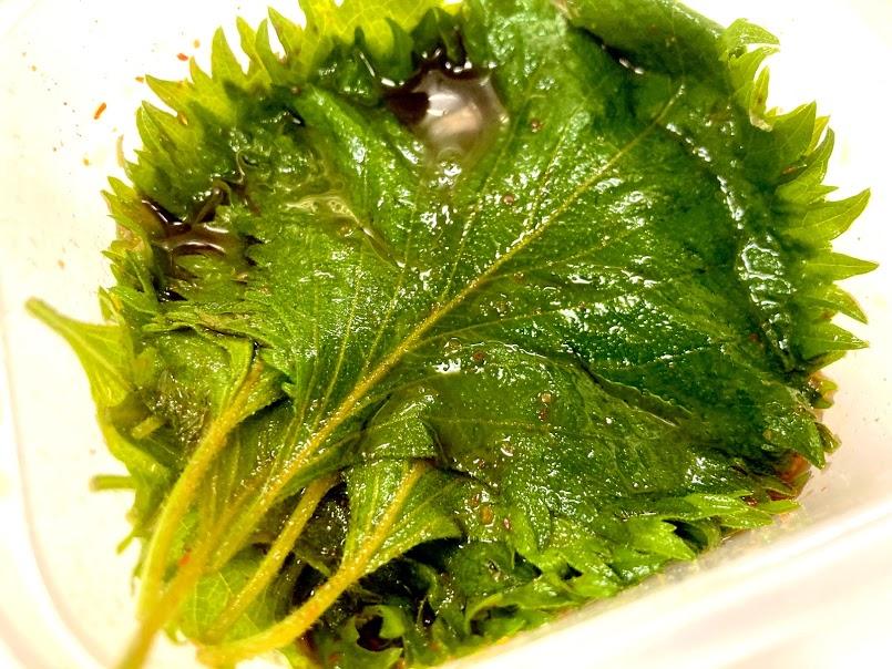 料理人のご飯のお供。大葉の辛味しょうゆ漬け。大葉の大量消費に。漬け込んだ大葉