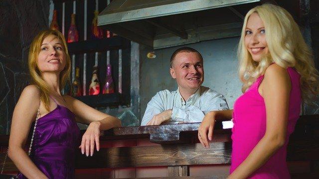 飲食店の彼女・奥様の心配ごと。お付き合い、営業、接待という遊びの免罪符。経営者とお客様。