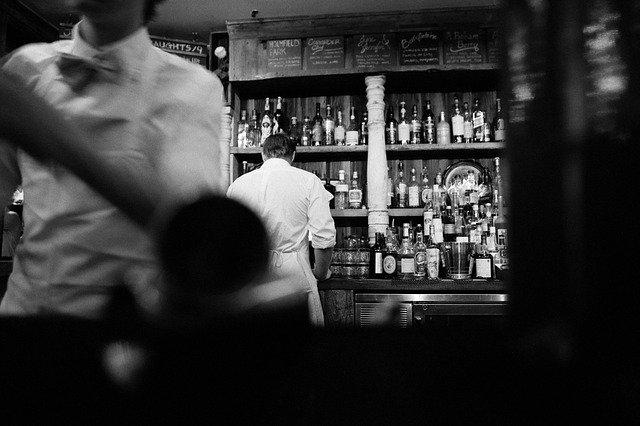 飲食店の集客方法「活気と円満」は集客の絶対条件。居酒屋、バー。