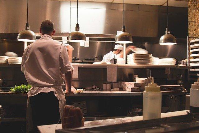 料理人になるには?現役料理人が語る3つの必須条件。料理人に向いている人と向いてない人とは?